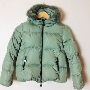 Moncler down puffer jacket coyote fur trim size 10